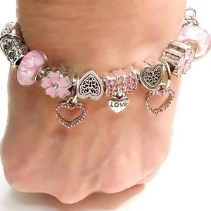 Jewelry - NEW EUROPEAN-STYLE PINK HEART/LOVE BRACELET